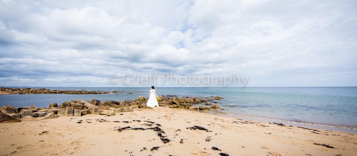Lynsey & Mark's wedding - Crail wedding photographer